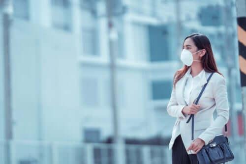 Millainen hengityssuojain suojaa parhaiten koronavirukselta?