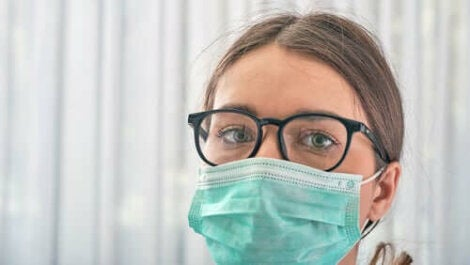 Myös silmät kannattaa suojata koronavirukselta