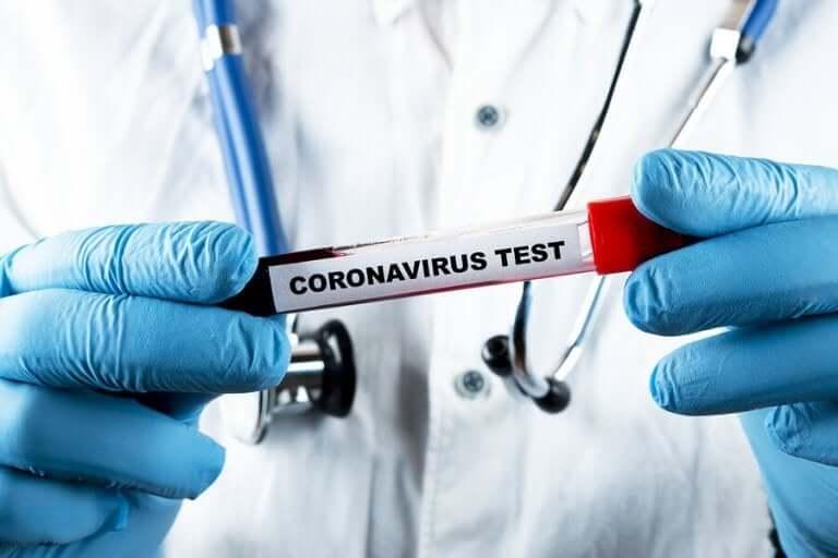 Erilaiset testit koronaviruksen tunnistamiseksi