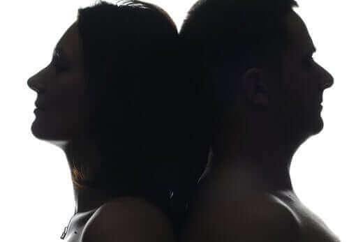 Onko totta, että koronaviruksella on suurempi vaikutus miehiin kuin naisiin?