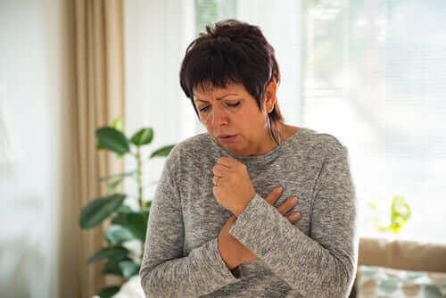 Koronavirus ei leviä ilmassa, mutta yskimisen kautta se tarttuu.
