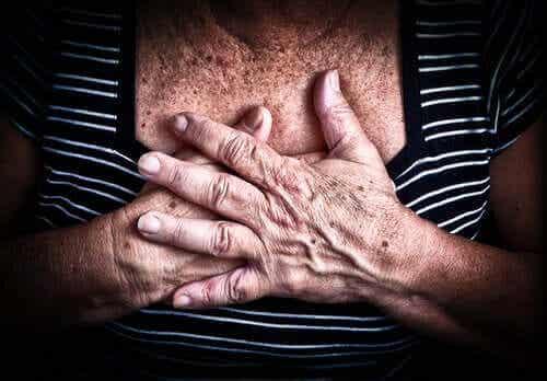 COVID-19 -tartuntaan liittyviä suosituksia sydän- ja verisuonitaudeista kärsiville