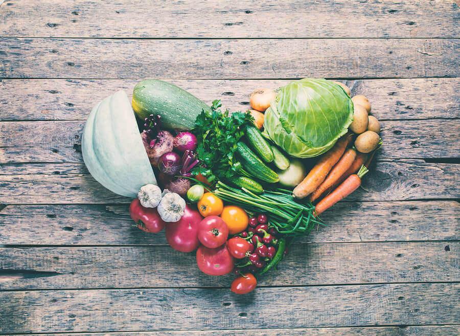 Kardiovaskulaarisesta terveydestä huolehditaan syömällä terveellisesti.