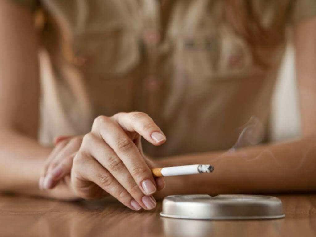 Hengityselinten terveys kärsii tupakoinnista.