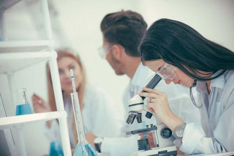 Tiedemiehet ovat tutkineet mahdollisuutta käyttää toipuneiden koronaviruspotilaiden verta sairailla potilailla