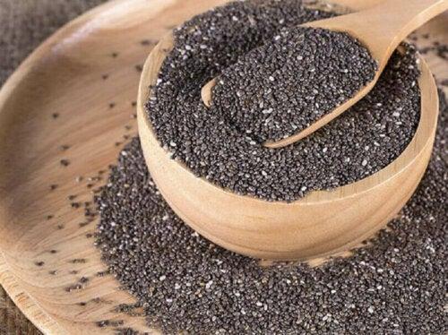 Prebiootteja löytyy runsaasti joistakin vihanneksista, kaakaosta, mausteista sekä chia-siemenistä