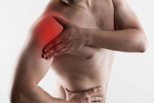 Kiertäjäkalvosimen repeämä on kivulias ja invalidisoiva vamma