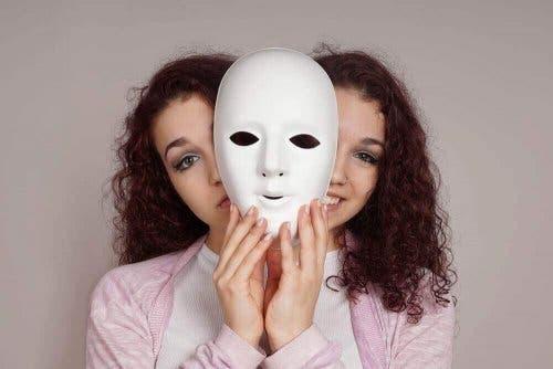 Bipolaarisen henkilön kanssa elämisessä on haasteensa.