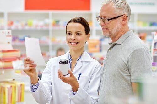 Lääkkeen pakkausseloste pitää sisällään tärkeää tietoa lääkkeestä