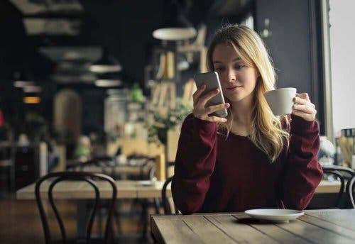 Kuinka oppia uusi tapa: laita puhelin pois ja äänettömälle.
