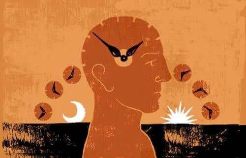 Kesäaikaan siirtyminen vaikuttaa kehoon melatoniinin erityksen takia.