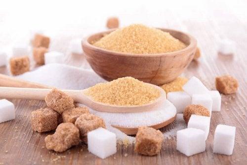 Onko tumma sokeri terveellisempää kuin valkoinen sokeri?