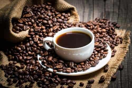Mitä tiede sanoo kofeiinin kulutuksesta?