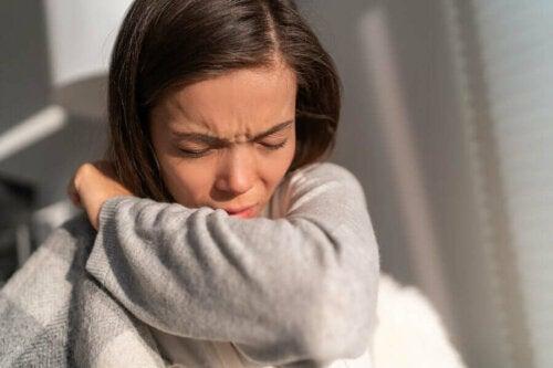 Joidenkin teorioiden mukaan allergiat voisivat auttaa elimistön immuunijärjestelmää valmistautumaan muihin vakavampiin tuleviin reaktioihin