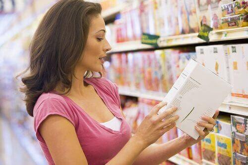 Elintarvikkeen etiketistä tulee käydä ilmi, sisältääkö se sulfiitteja