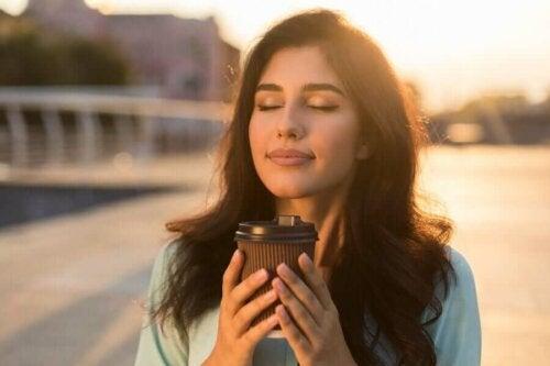 Kiireessä eläminen on yksi syy siihen, miksi olemme niin uppoutuneita stressiin ja tiloihin, jotka aiheuttavat ahdistuneisuutta