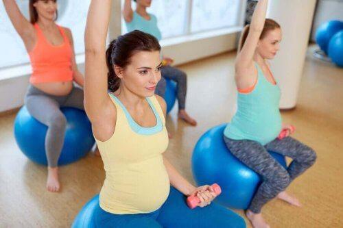 Tietynlainen liikunta on sallittua raskauden aikana