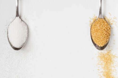 Onko tumma sokeri terveellisempää kuin valkoinen?