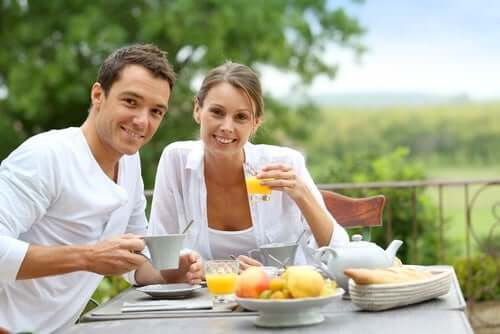Terveellisen ja tasapainoisen aamiaisen avulla myös aineenvaihdunnan aktivoiminen on helpompaa