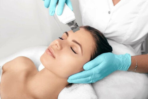 Vaikka hoitomenetelmät ovat ajan myötä edistyneet, ihon hyperpigmentaatio on edelleen suuri haaste monille alan ammattilaisille