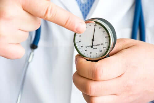 Potilaat, jotka kärsivät korkeasta verenpaineesta, voivat hyötyä kardemummasta