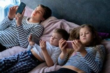 Lasten liiallinen altistuminen elektroniikkalaitteille