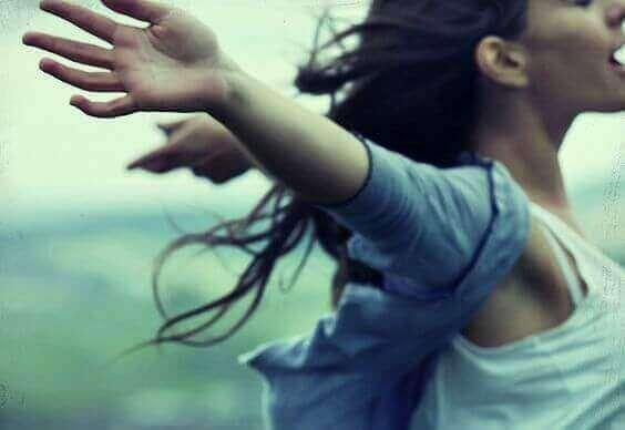 Kun joku satuttaa sinua, anna itsellesi lupa olla vahvempi