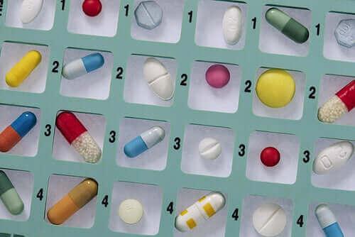 Itselääkitys antibiooteilla ei kannata