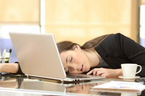 Narkolepsia on nukahtamista missä ja milloin vain.