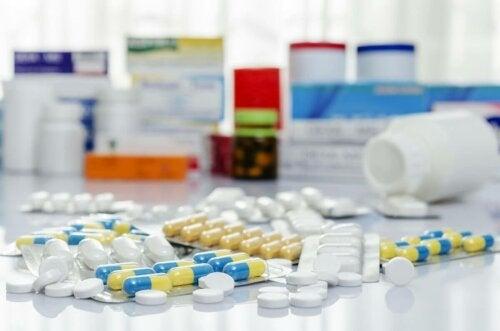 Erilaiset antibiootit virtsatietulehduksiin.