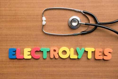 Mitä elektrolyytit ovat ja mihin niitä tarvitaan?