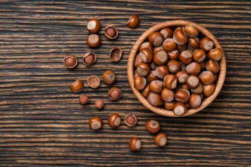 Hasselpähkinöiden tarjoamia mineraaleja ovat kalium, kalsium, fosfori, magnesium, sinkki ja rauta