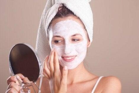 Kuinka parantaa ihon kuntoa vaihdevuosien aikana?