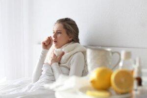 Flunssaan liittyvän yskän hoito luonnollisesti