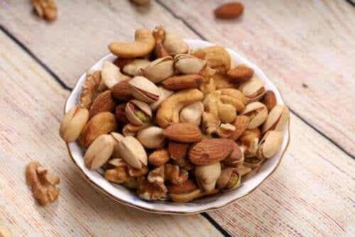 Mantelit, saksanpähkinät vai hasselpähkinät: mitkä ovat terveellisimpiä?
