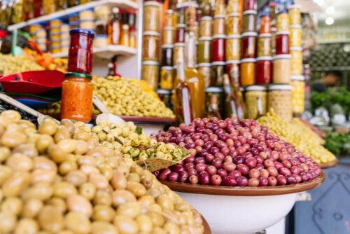 Kestävän ruokavalion yhtenä päätavoitteena on vähentää ihmisten ekologista hiilijalanjälkeä planeetalla