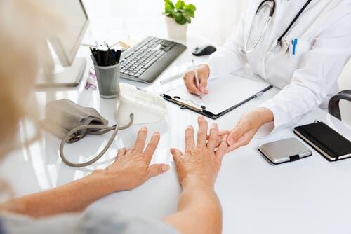 Yleisimpiä kysymyksiä artriitista
