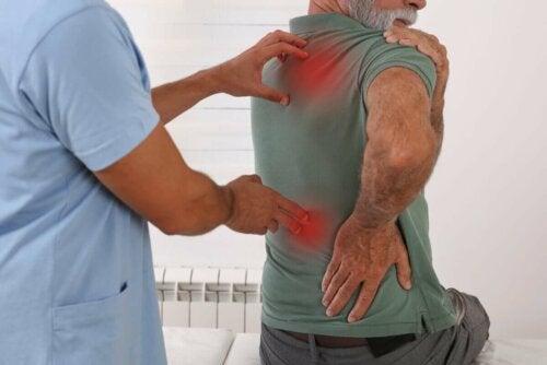 Kipu ympäri kehoa on yleinen oire, joka voi johtua monista eri syistä