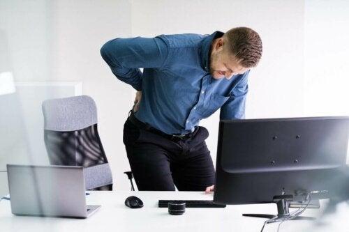 Välilevypullistuma on pullistuma, joka sijaitsee jossakin kohtaa selkärangan nikamavälilevyä