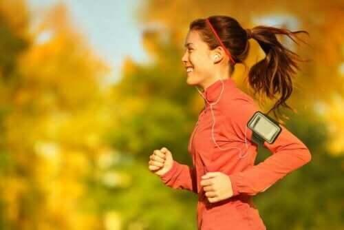 Kävelyn ja juoksun yhdistäminen on sopiva tapa aloittaa liikunta.