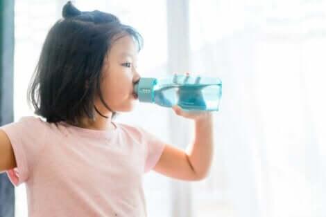 Neste-elektrolyyttitasapaino voi horjua puutteellisen nesteytyksen vuoksi
