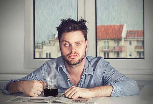 Unihitaus: miksi heräät huonolla tuulella