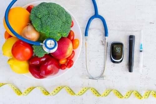 Diabetes vaikuttaa mielenterveyteen, sillä se on sairaus joka potilaan pitää huomioida päivittäisissä toimissaan.