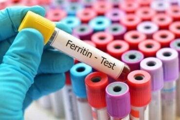 Kuinka korkea ferritiinitaso saadaan laskemaan?