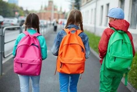 Lasten hyvä ryhti on tärkeä asia.