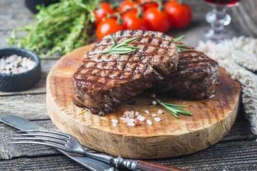 Mikä on sopiva määrä lihaa viikossa?