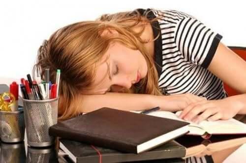 Korkea ferritiinitaso voi johtaa muun muassa väsymykseen ja huonoon oloon sekä vatsakipuun.