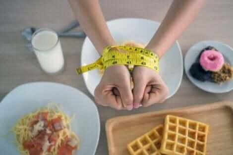 Yksinkertaiset hiilihydraatit voivat johtaa terveysongelmiin