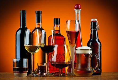 Jos alkoholin nauttiminen on niin sanotusti kroonista, ongelma kehittyy jatkuvasta puriinien kerääntymisestä kehoon.