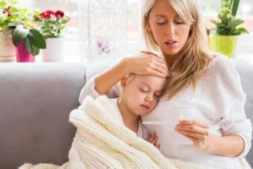 Erityisesti lasten sairastaessa on tärkeää tietää, kuinka kuumetta hoidetaan